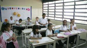 escuelas-ininterrumpida-ministra-Leonardo-Noguera_NACIMA20121123_0727_6